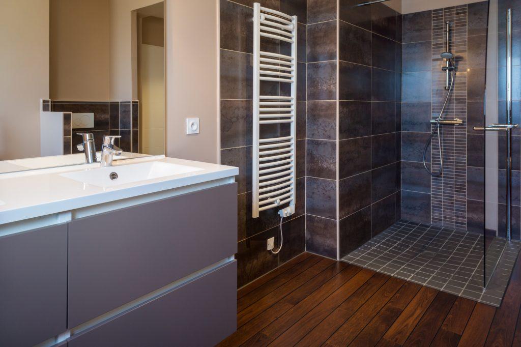 Carrelage salle de bain 94 for Peinture renovation carrelage