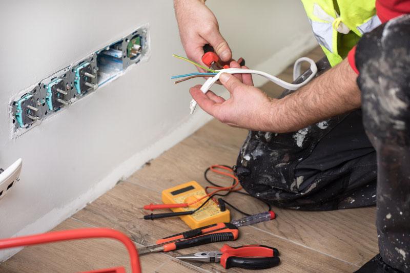 lemaire-peinture-renovation-maison-electricité